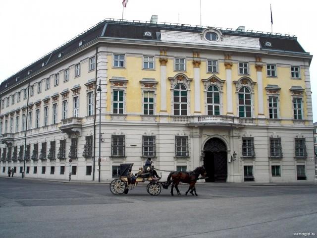 Бальхаусплац (Ballhausplatz)