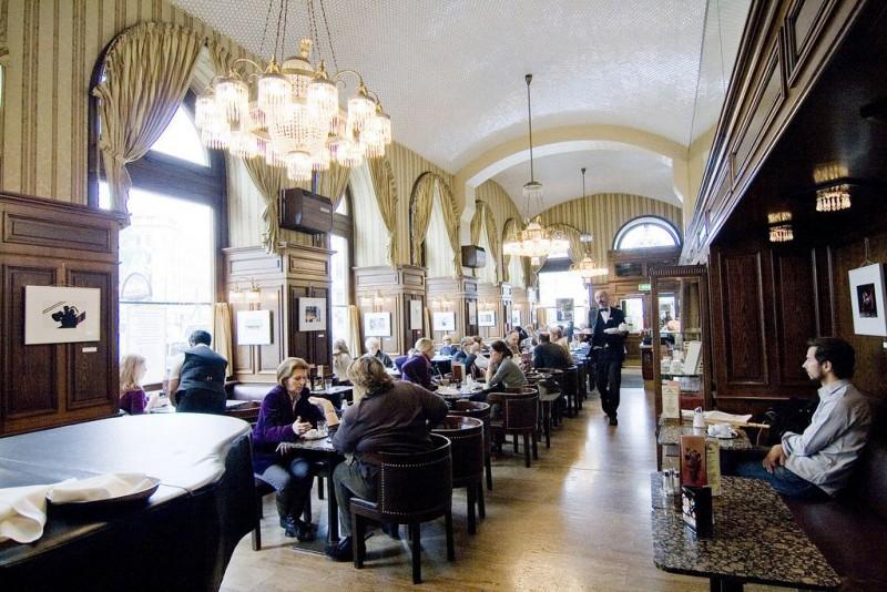 Кафе «Шварценберг» (Café Schwarzenberg)