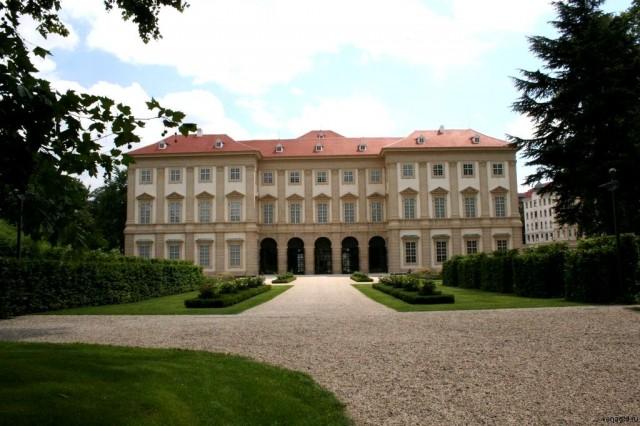 Садовый дворец Лихтенштейнов (Gartenpalais)