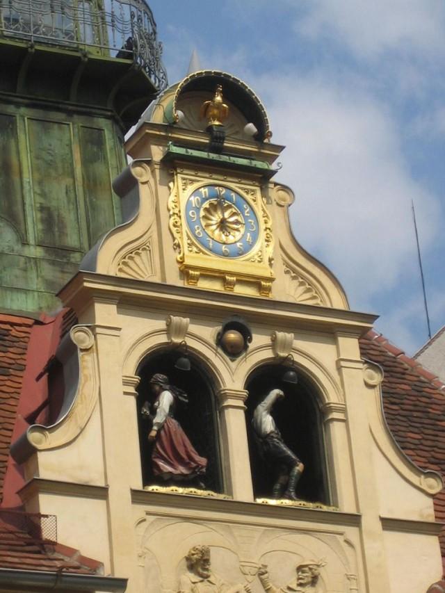 Площади колокольного звона (Glockenspielplatz)