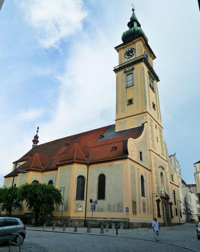 Приходская церковь св. Марии (Stadtpfarrkirche)