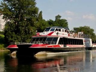 Из Вены во Братиславу возьми корабле в соответствии с Дунаю
