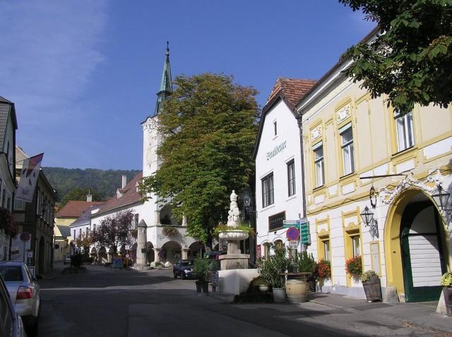 Гумпольдскирхен (Gumpoldskirchen)
