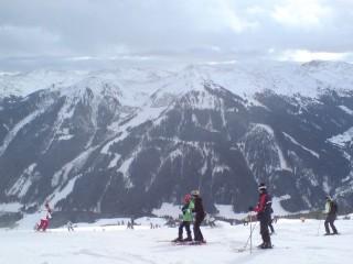Из-за теплой осени срывается старт лыжного сезона в Альпах