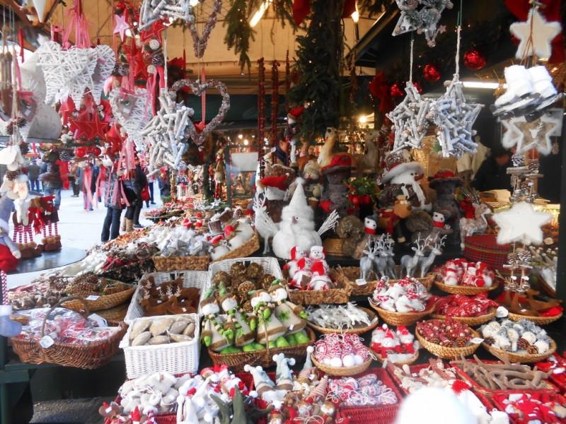 Рождественский базар на площади Фрайунг