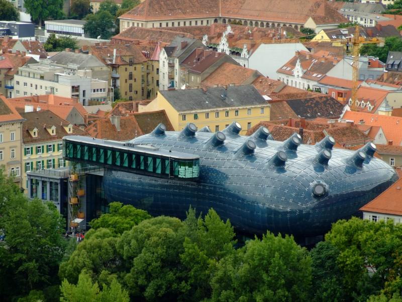 Музей Кунстхаус – «дружелюбный пришелец» в Граце