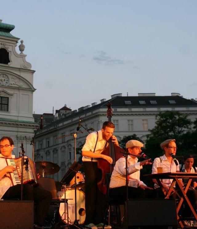На ежегодном фестивале «Wien im Rosenstolz»