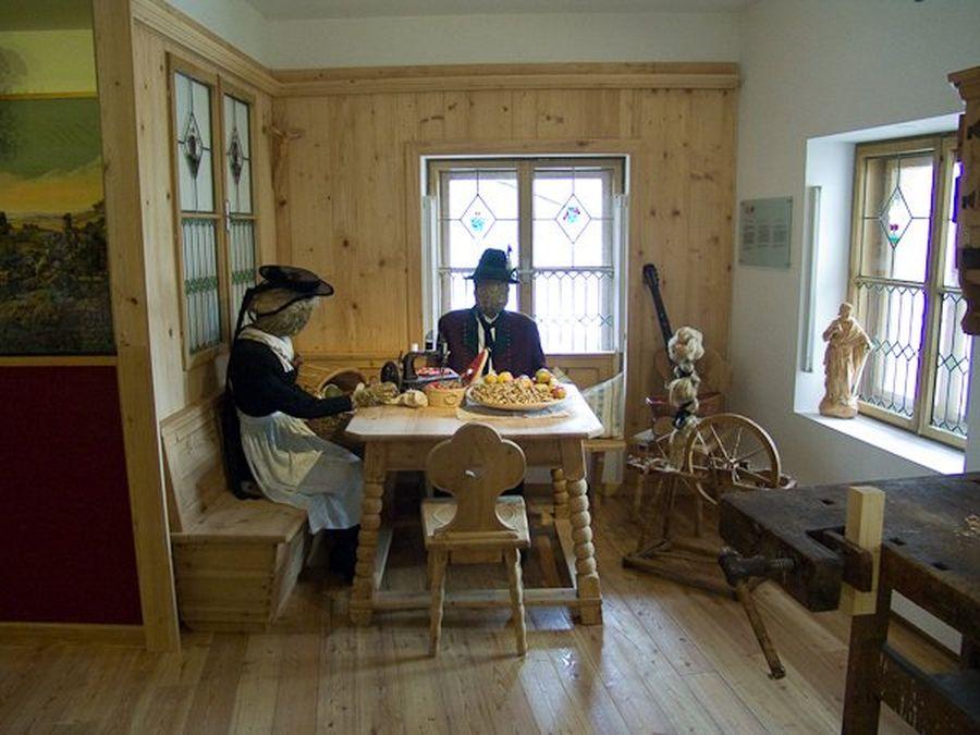 Тирольский Музей яслей (Tiroler Krippenmuseum)