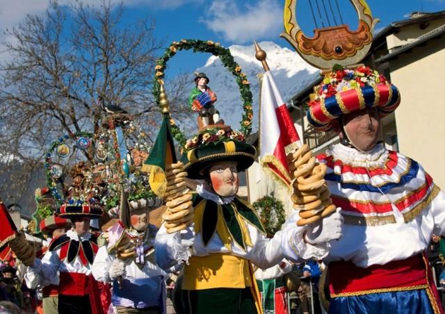 Карнавал в Тироле накануне великого поста