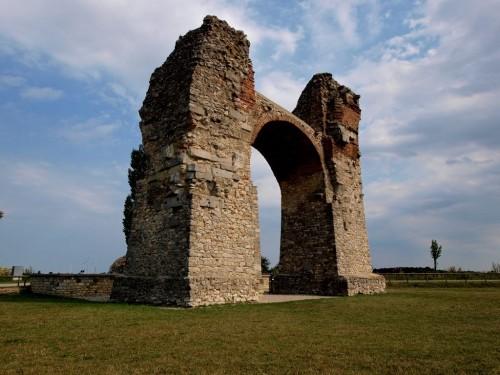 Ворота в древний римский город на землях Нижней Австрии