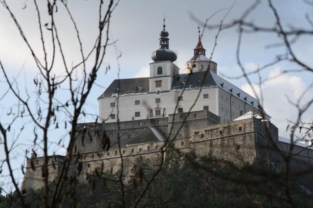Замок Форхтенштайн (Burg Forchtenstein)