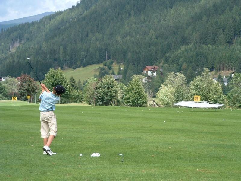 В Бад Кляйнкирххайм можно поиграть в гольф