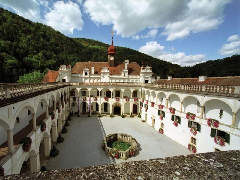 Двор замка Херберштайн