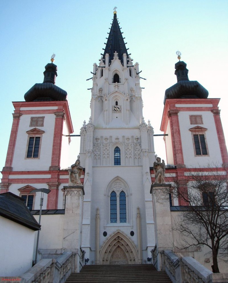 Главный фасад базилики Mariazell