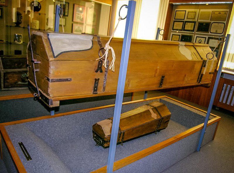 Многоразовые гробы - детский и взрослый