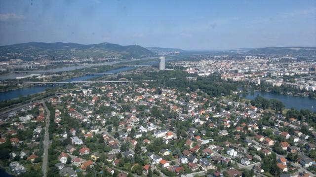 Панорама Вены со смотровой площадки Дунайской башни