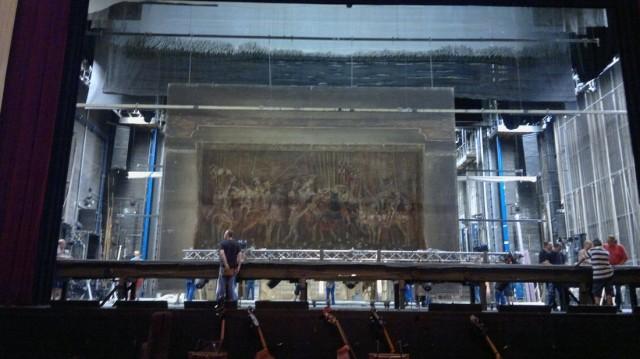 Строительство декораций на сцене Венской Оперы