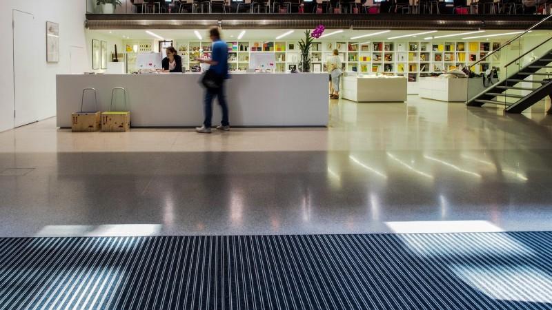 Фойе Музея современного искусства