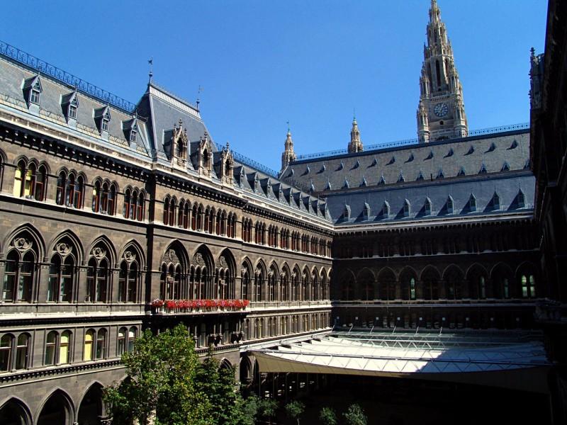 Аркадный двор Венской ратуши