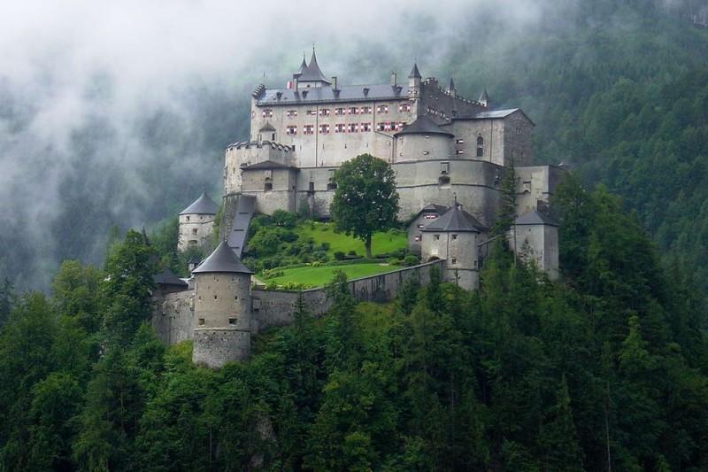 Замок Хоэнверфен (Festung Hohenwerfen)