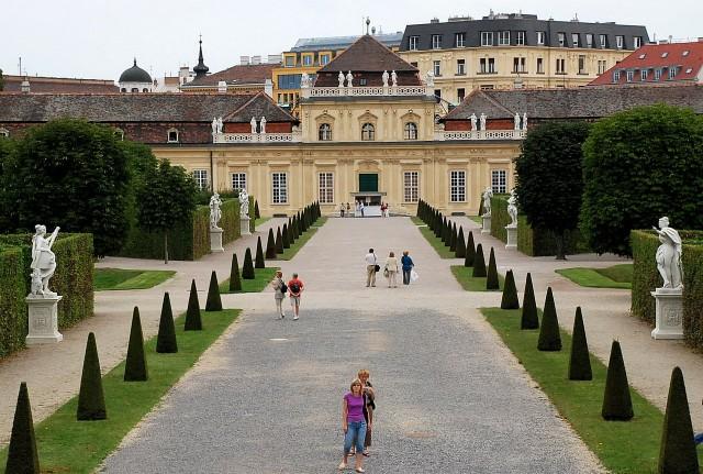 Нижний Дворец Бельведер