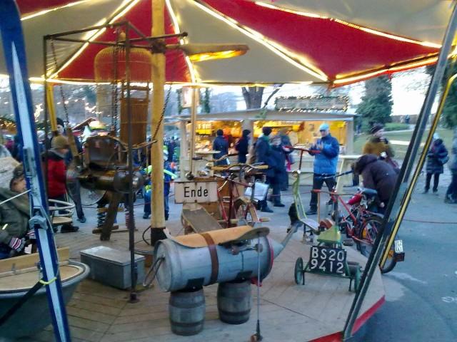 Рождественский базар около Карлскирхе.