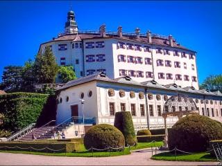 Замок Амбраc