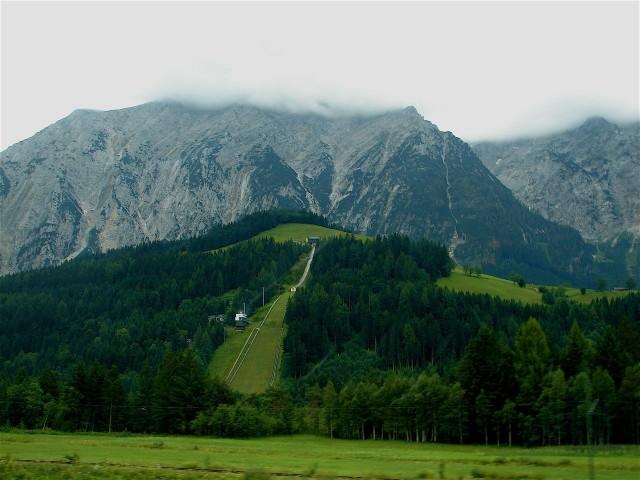 Кульм (Kulmschanze) - это крупнейший естественный трамплин мира