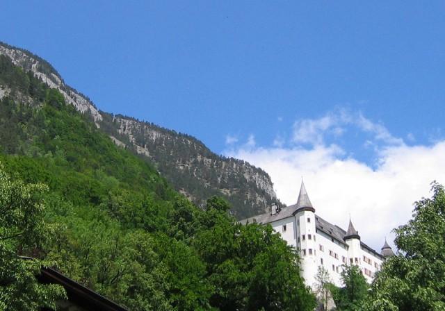 Замок Трацберг (Schloss Tratzberg)