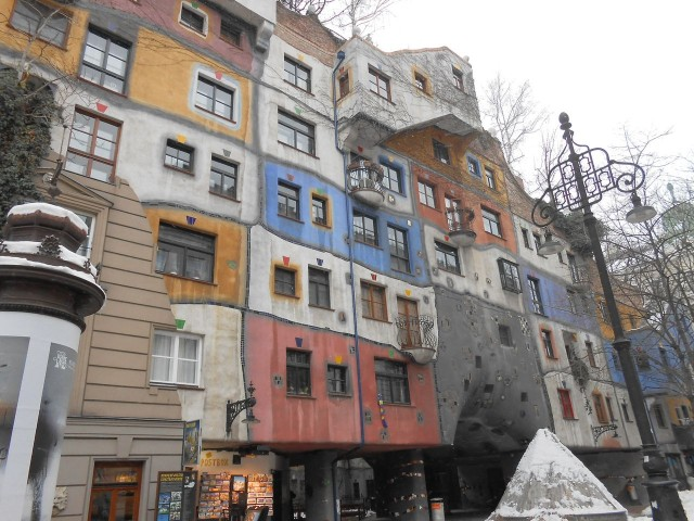 Дом Хундертвассера (Hundertwasserhaus)
