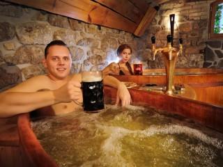 Пивные ванны в австрийских отелях. Оздоровительные процедуры с применением хмеля и солода