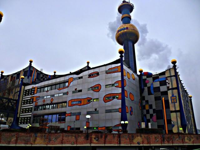 Мусоросжигательный завод Шпиттелау (Müllverbrennungsanlage Spittelau)