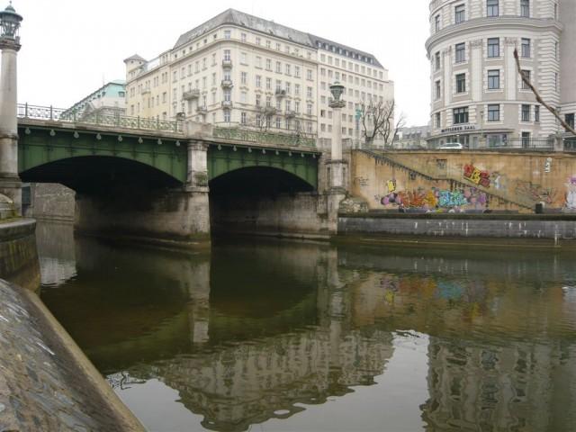 Мост Радецкого (Radetzkybrücke)
