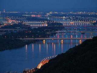 Вена — «город мостов». Исторические мосты равно лестницы