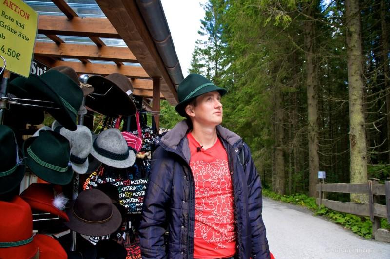 Примеряю шляпки