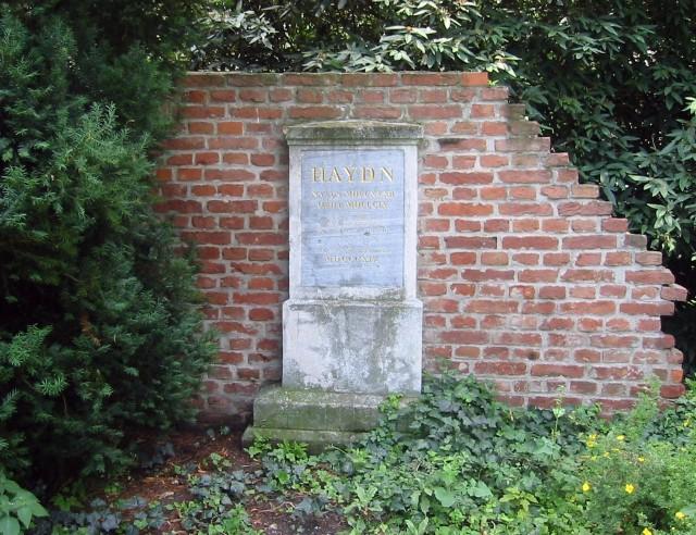 Надгробие Гайдна в Вене