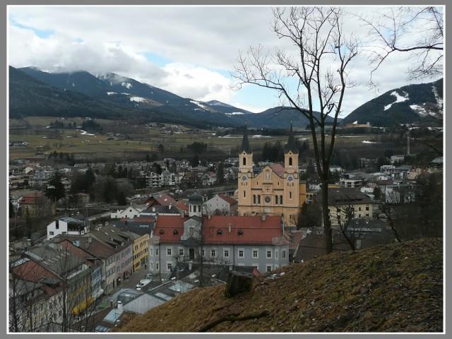 Город с замкового холма