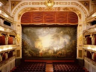 Театр Ан дер Вин — одна изо старейших оперных сцен Европы
