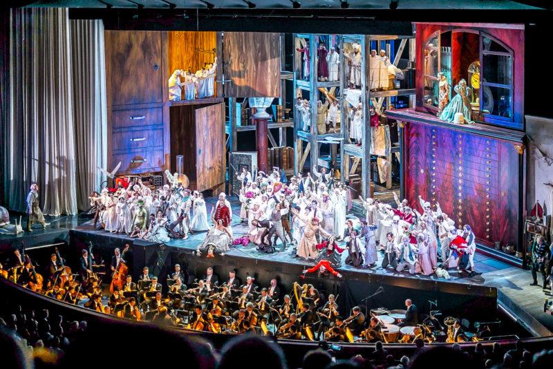 Опера на сцене фестиваля