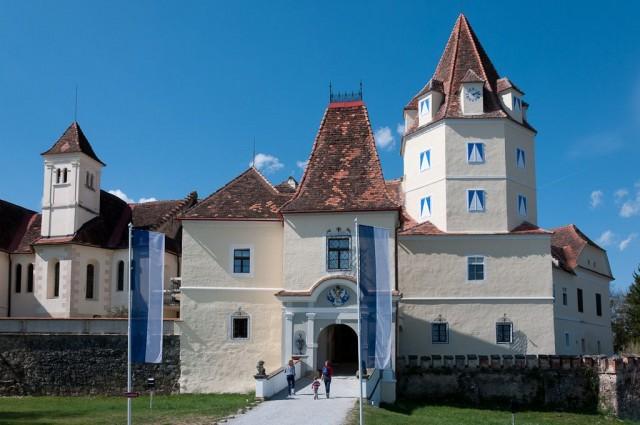 Замок Корнберг (Schloss Kornberg)