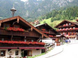 Альпбах — красивая альпийская деревня
