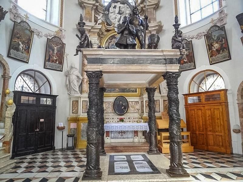 Усыпальница эрцгерцога Максимилиана III