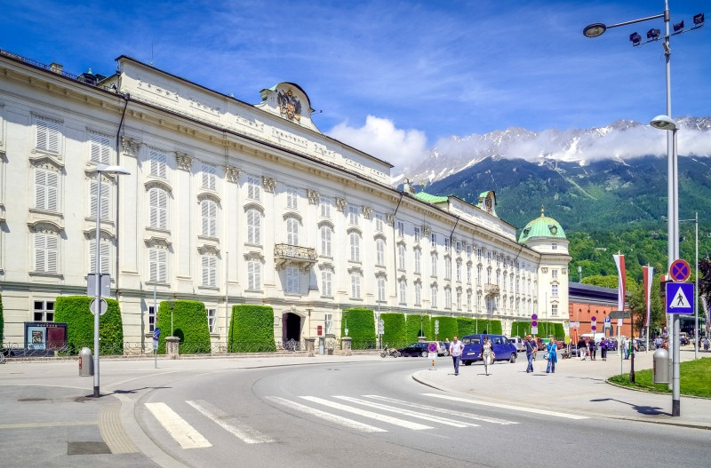 Императорский дворец Хофбург – резиденция правителей Тироля