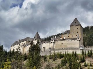 Замок Моосхам — молчаливый свидетель охоты на ведьм