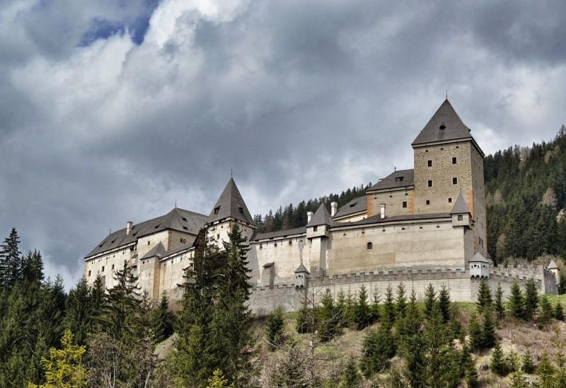 Замок Моосхам (Schloss Moosham)