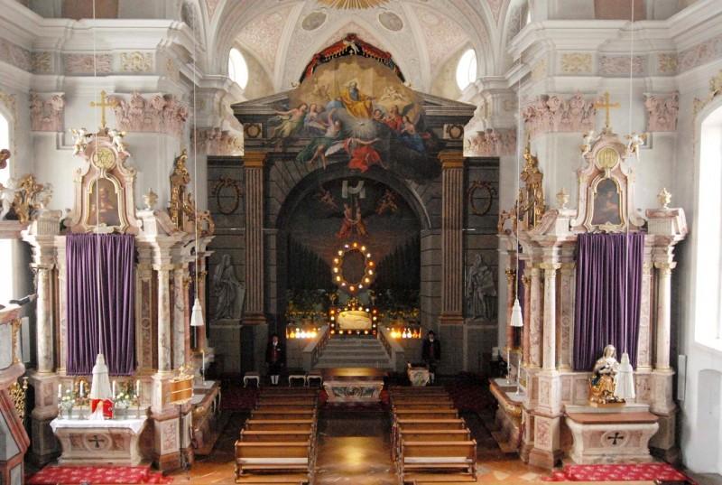 Интерьер церкви Успения Богородицы (Dekanatspfarrkirche Maria Himmelfahrt)