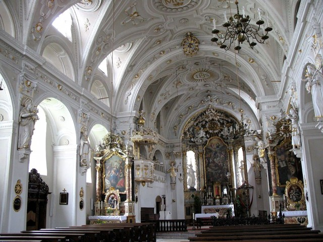 Интерьер церкви иезуитов (Jesuitenkirche)