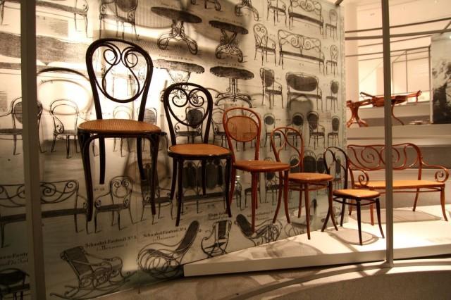 Гнутая мебель от Тонета