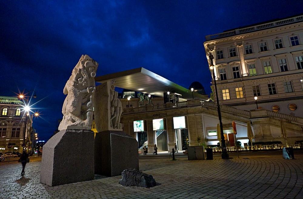 Мемориал на Альбертинаплац