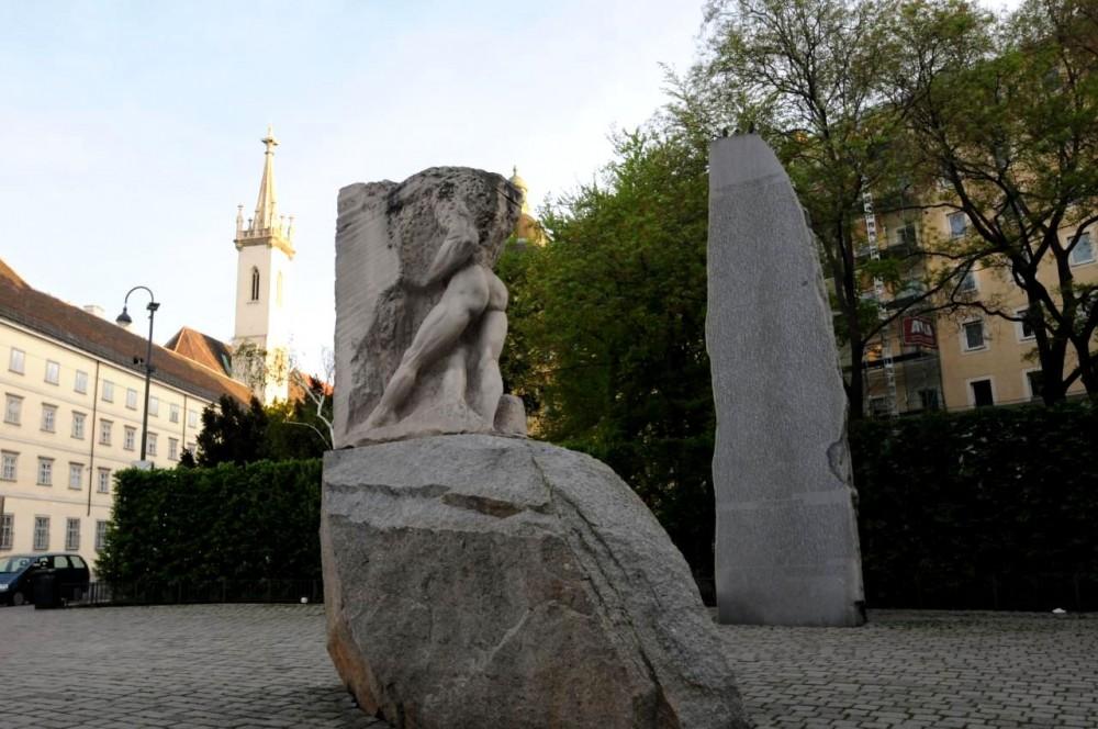 Камень республик и Орфей, входящий в ад